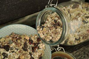 קינוחים ומאפים - גרנולה ללא סוכר
