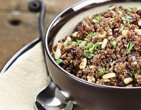 תבשיל עדשים עם קינואה וקייל - ללא גלוטן