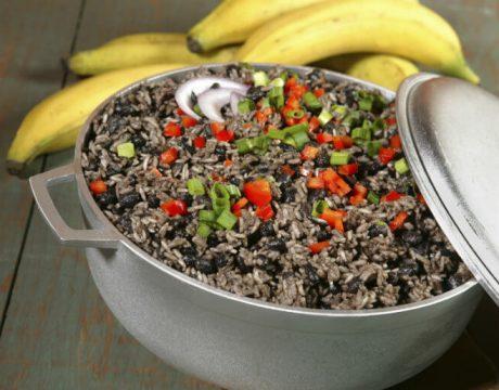 נזיד עדשים צמחוני - אורז שקדים וירקות - ללא גלוטן