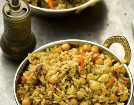מנות עיקריות - vegetarian pilaf with chick-pea and mushrooms