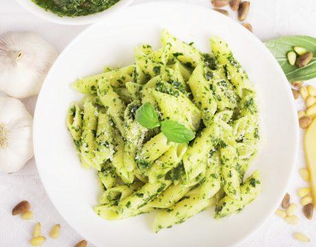 Italian pasta with tasty pesto - מנות עיקריות