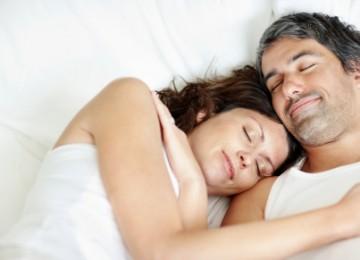מה שינה איכותית עושה לגופך?